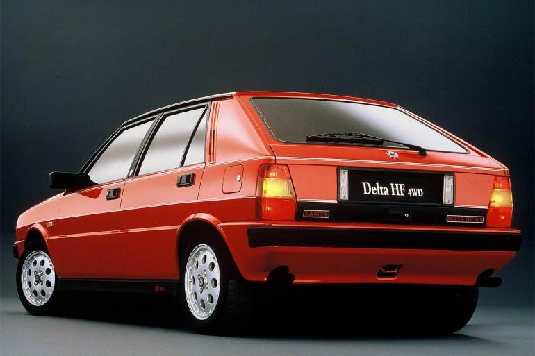 LanciaDeltaHF4WD-004