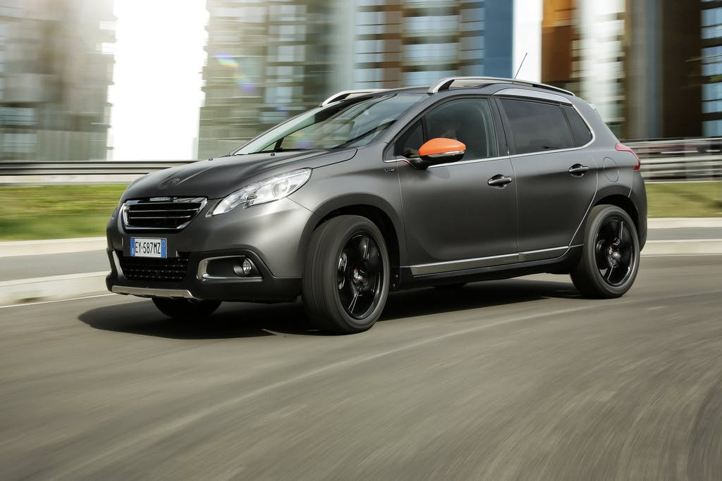 Peugeot 2008 Black Matt: tocco vellutato