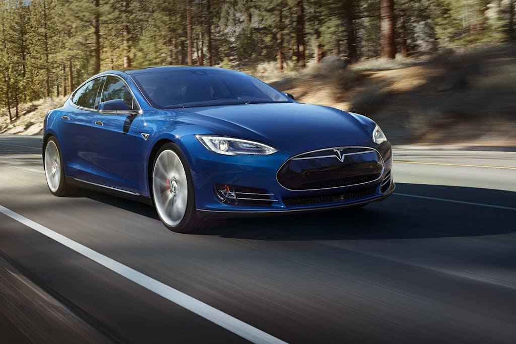 Tesla Model S 70D: 4WD e oltre 400 km d'autonomia