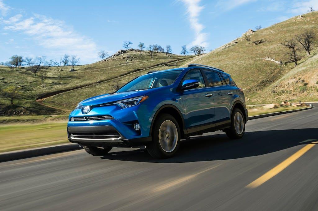 Toyota RAV4 Hybrid: 4WD a gestione elettronica