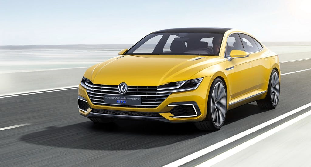 VW Sport Coupé GTE: 380 cv, 50 km/l e il medico a bordo