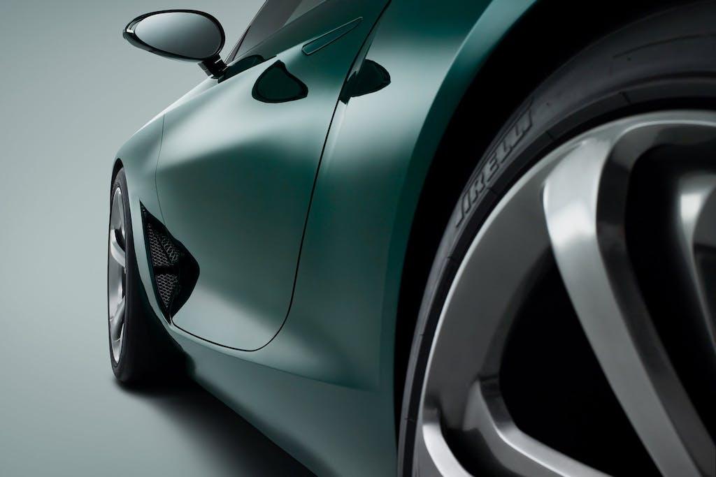 Bentley EXP 10 Speed 6: rompe la tradizione