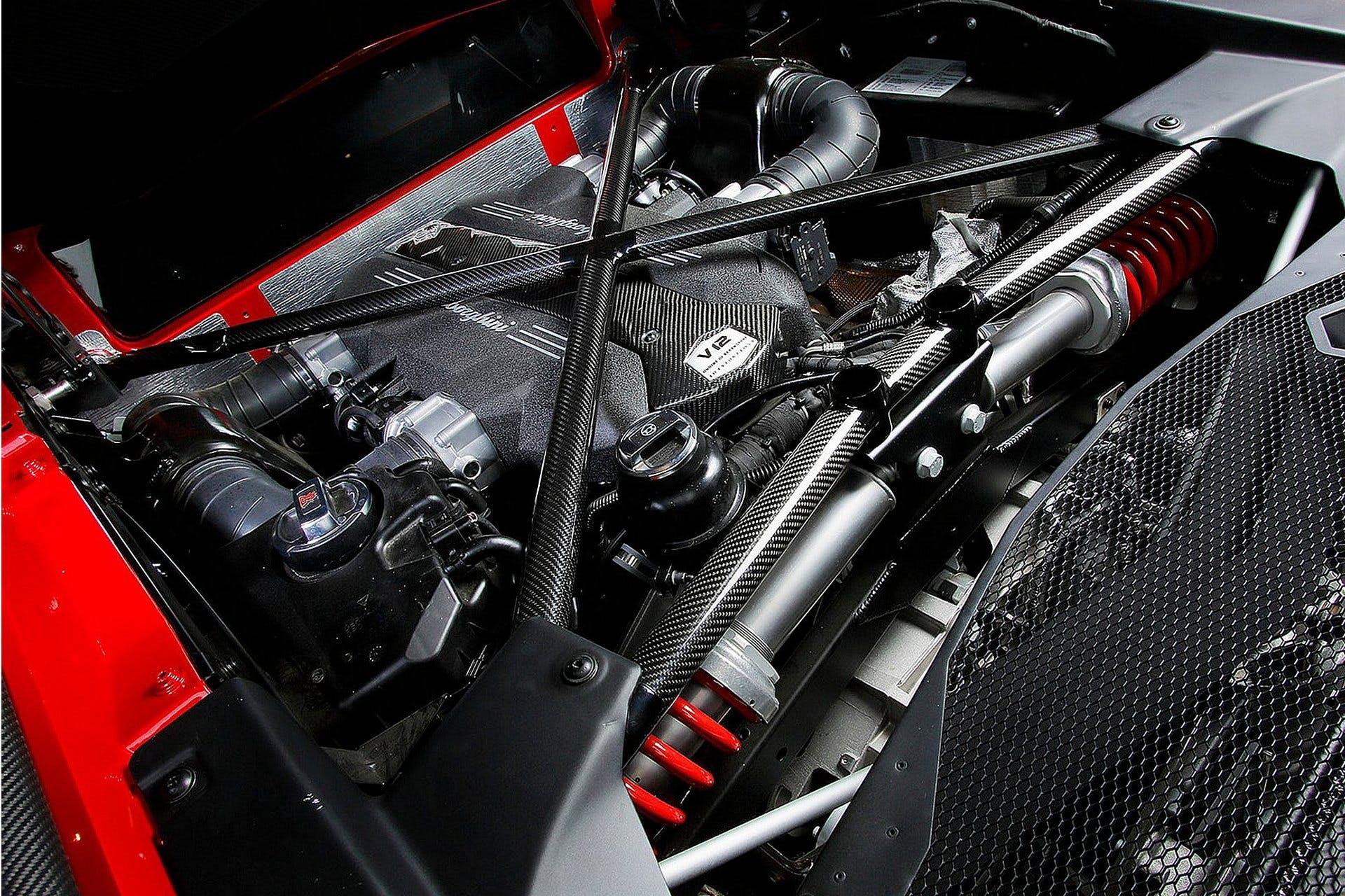 LamborghiniAventadorLP7504SV-010