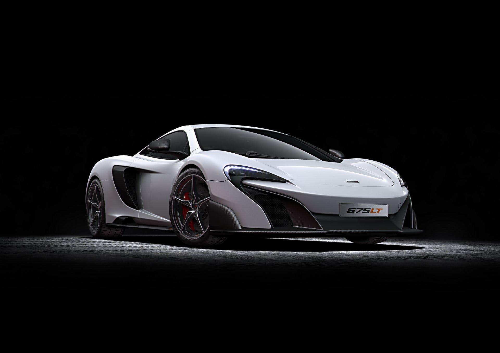 McLaren675LT-001