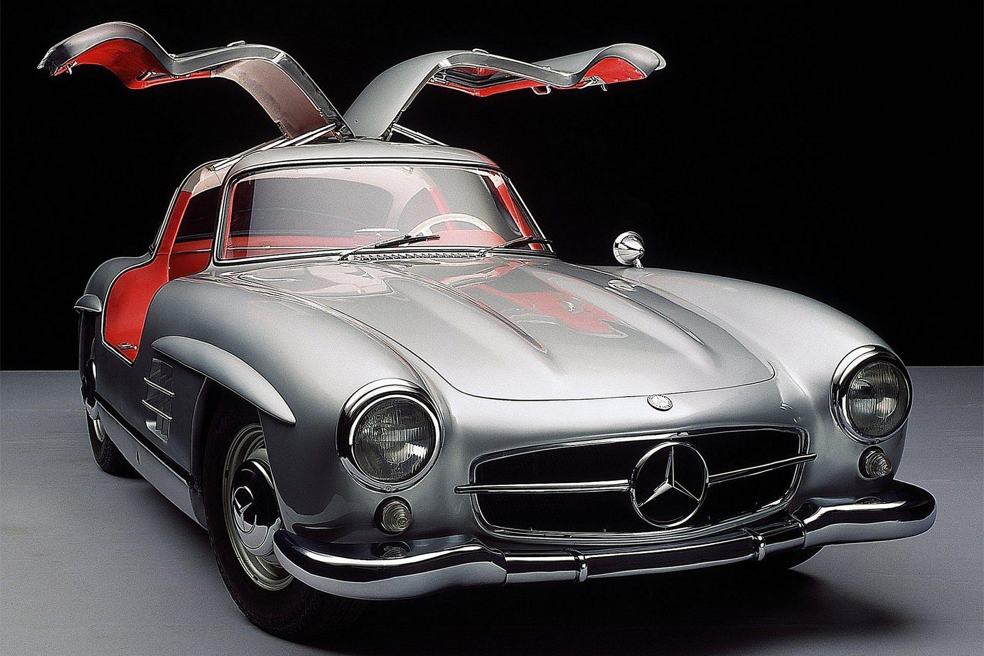 MercedesBenzSL300Gullwing-001
