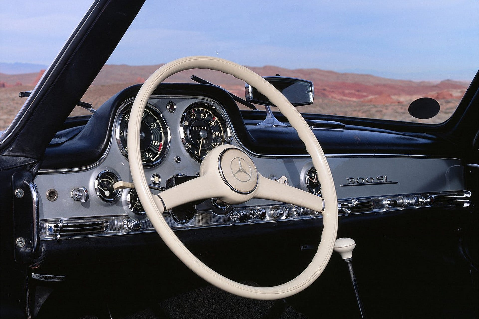 MercedesBenzSL300Gullwing-006