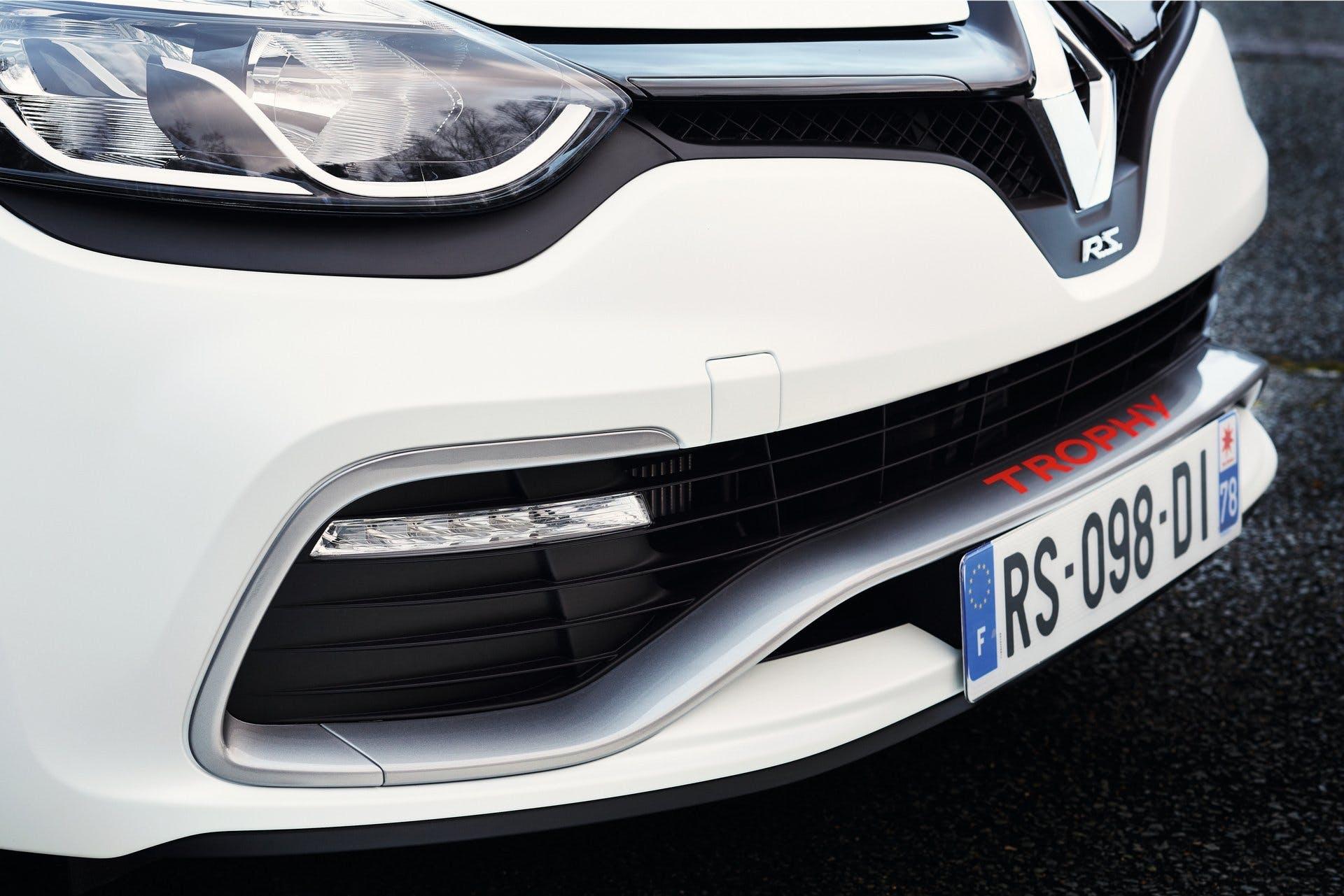 RenaultClioRS 220Trophy-007