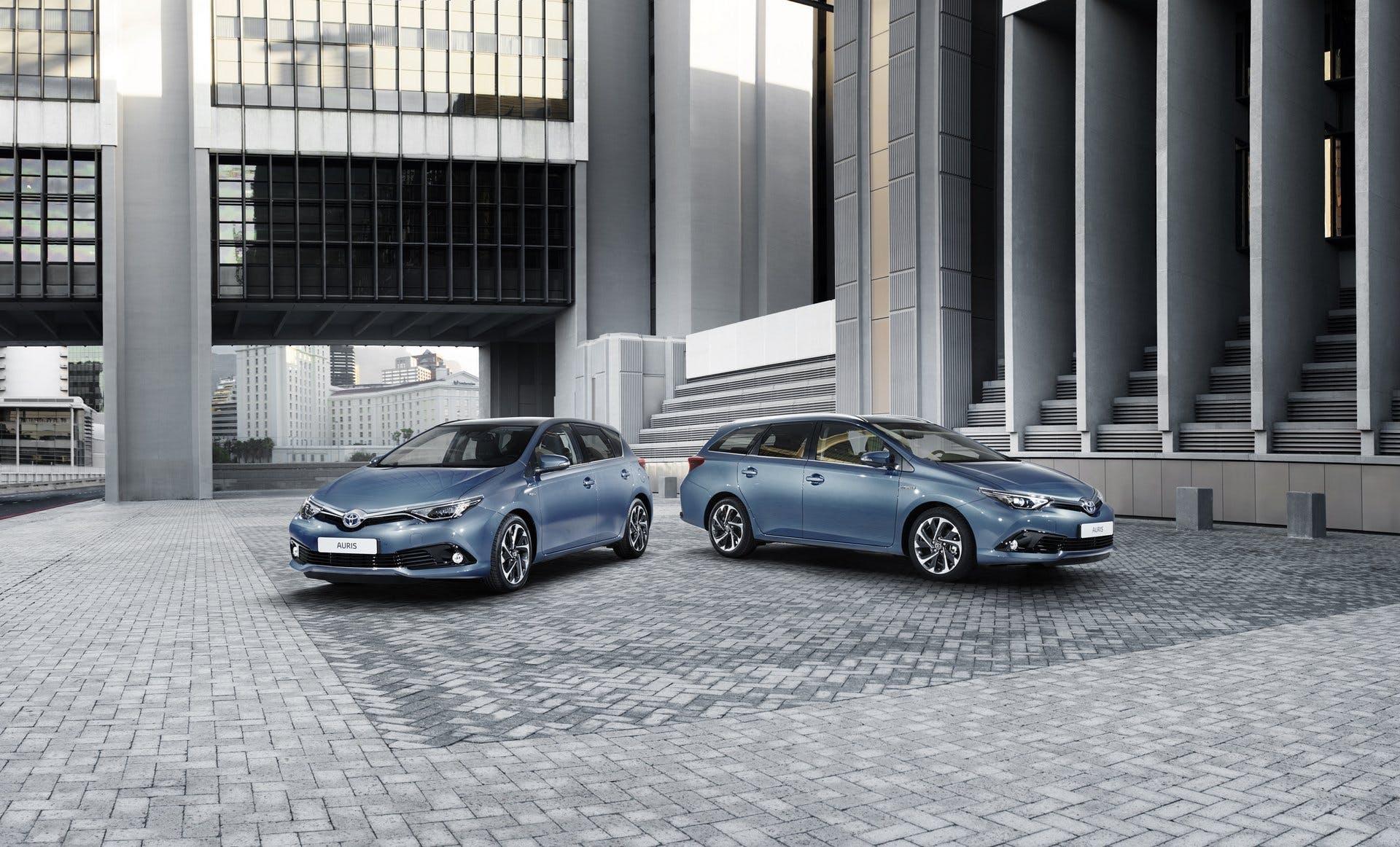 ToyotaAuris2015-002
