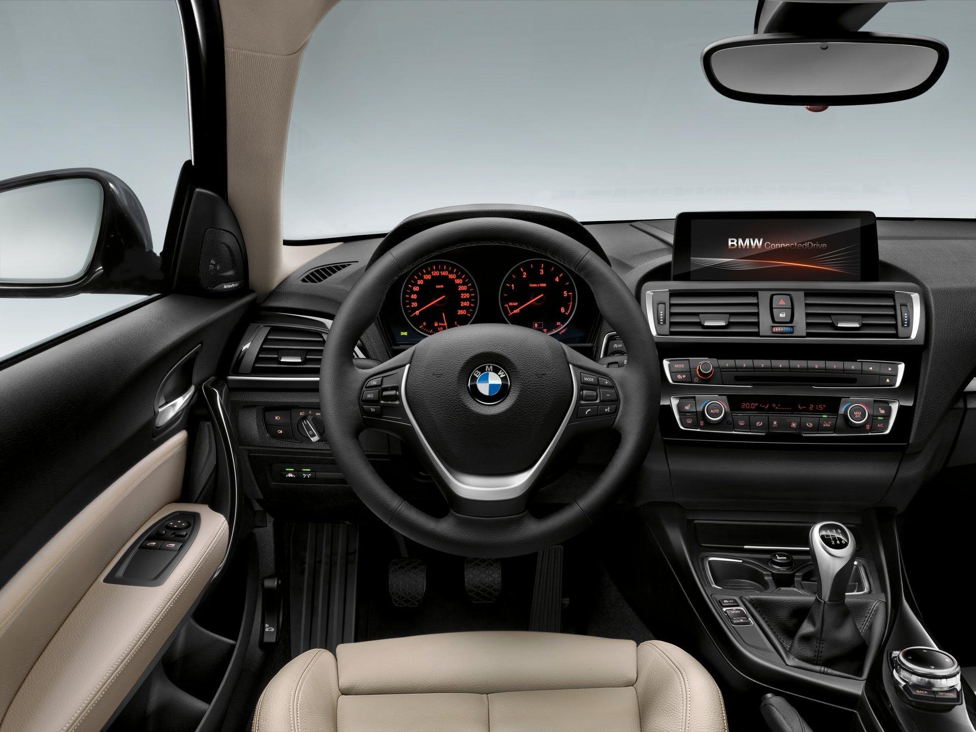 BMWSerie1-011