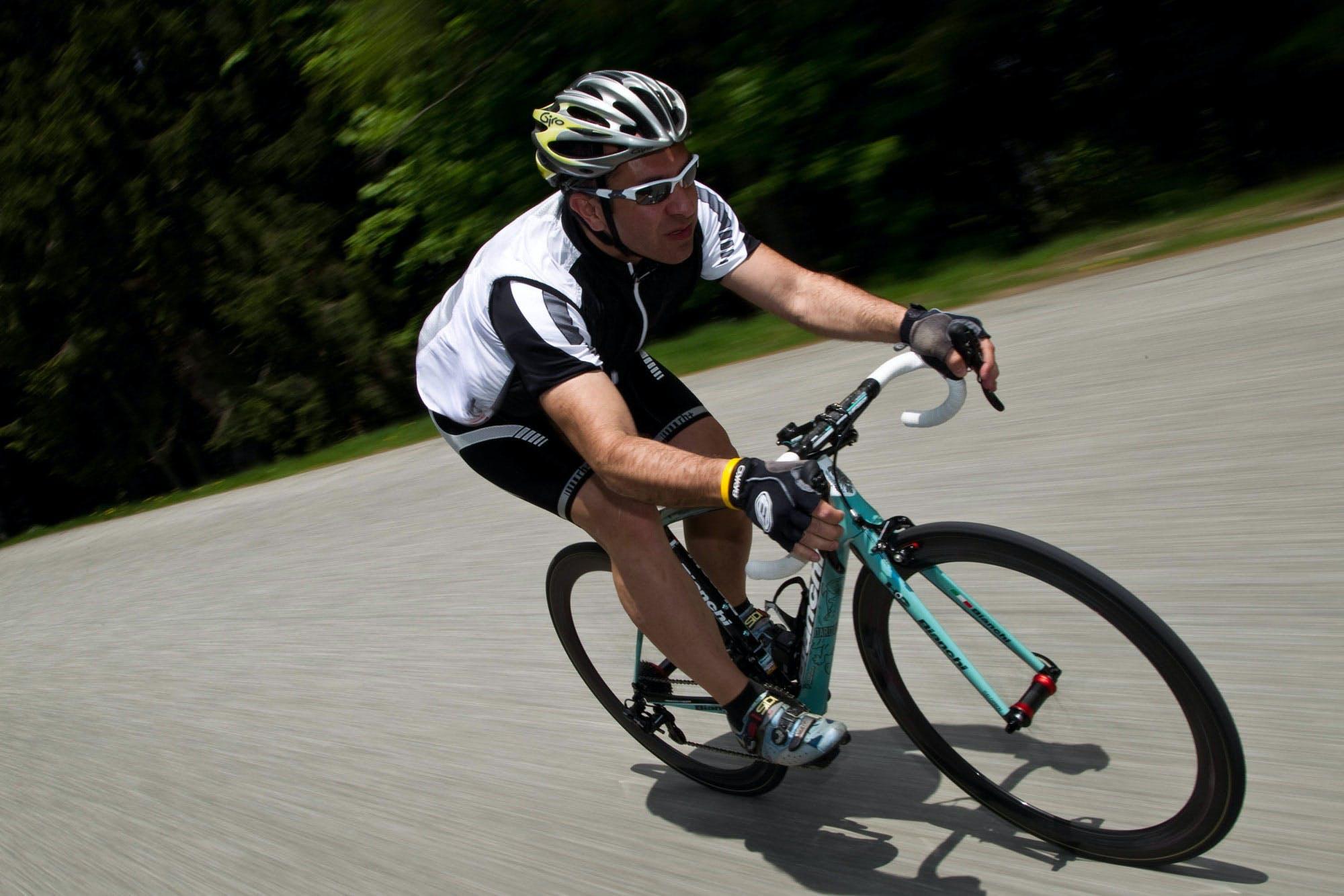 Quasi 10.000 euro per una bici? Guardatela nei dettagli e capirete come la Bianchi possa essere considerata una vera e propria opera d'arte con ruote e pedali. Impossibile non restarne rapiti