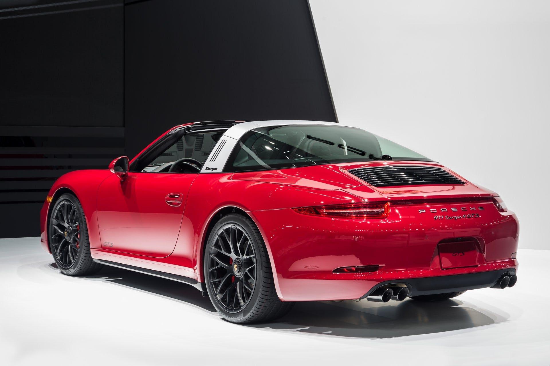 Porsche911Targa4GTS-001