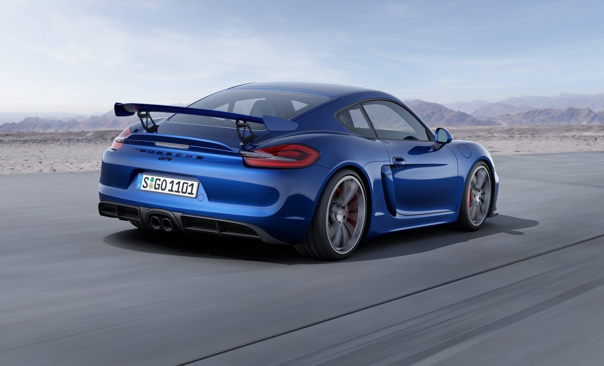 PorscheCaymanGT4-007