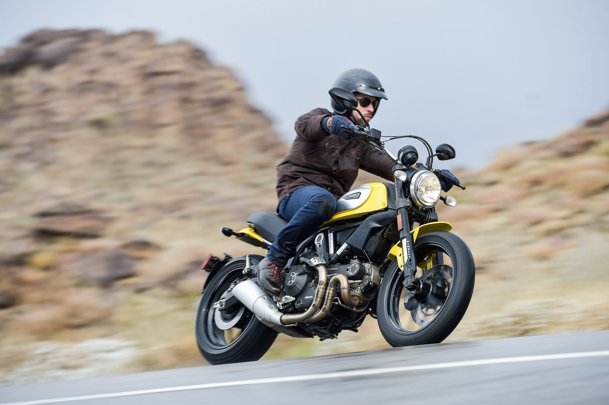 DucatiScrambler201506