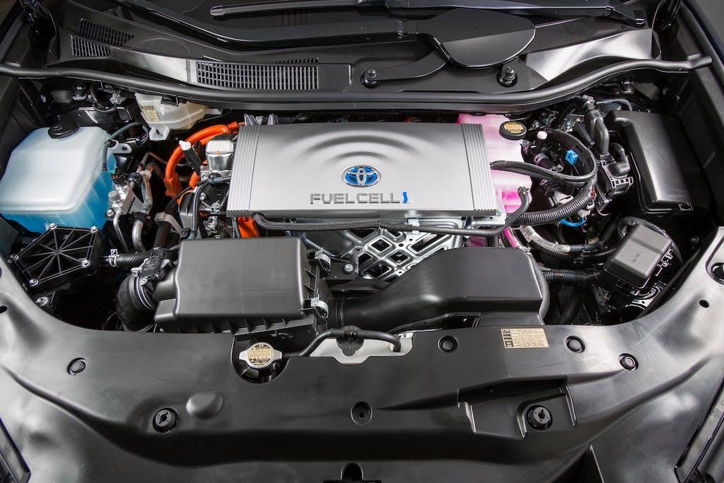 Toyota Mirai: l'orizzonte è ibrido a idrogeno