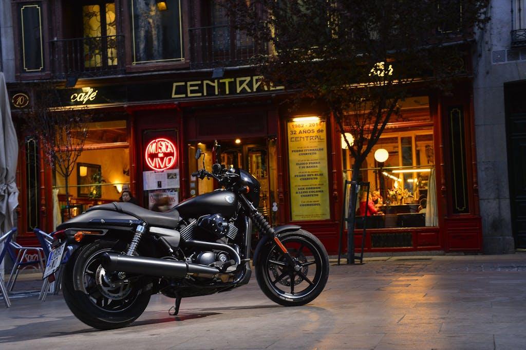 Prova Harley-Davidson Street 750