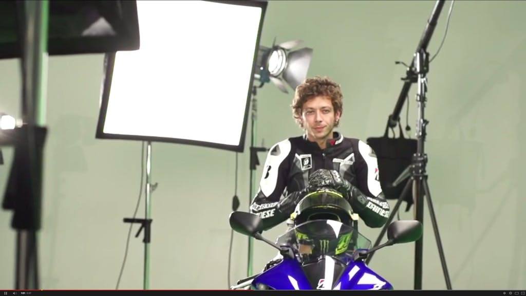 Valentino Rossi, il backstage Bridgestone