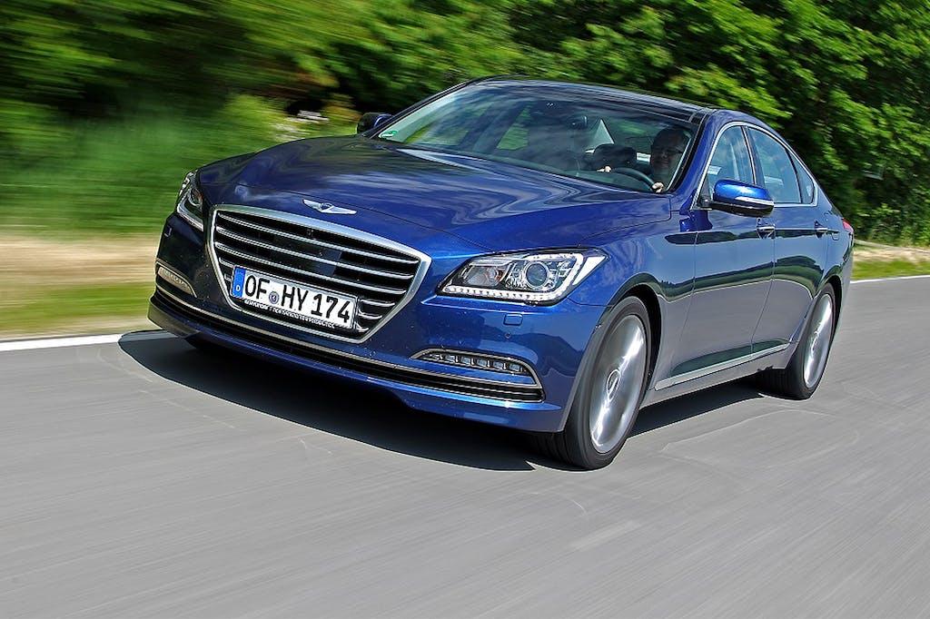 Hyundai Genesis 2015: lusso d'Oriente