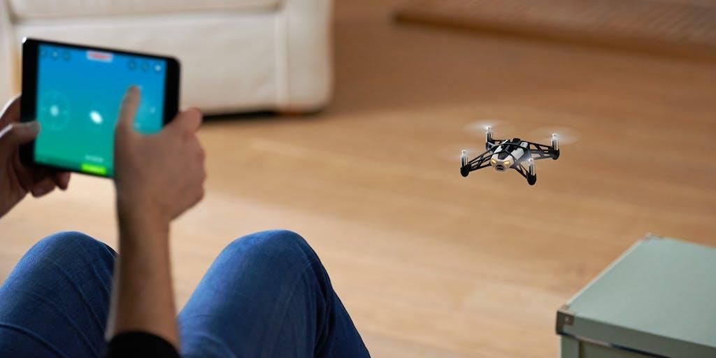 Parrot Minidrones: il robot si comanda con lo smartphone