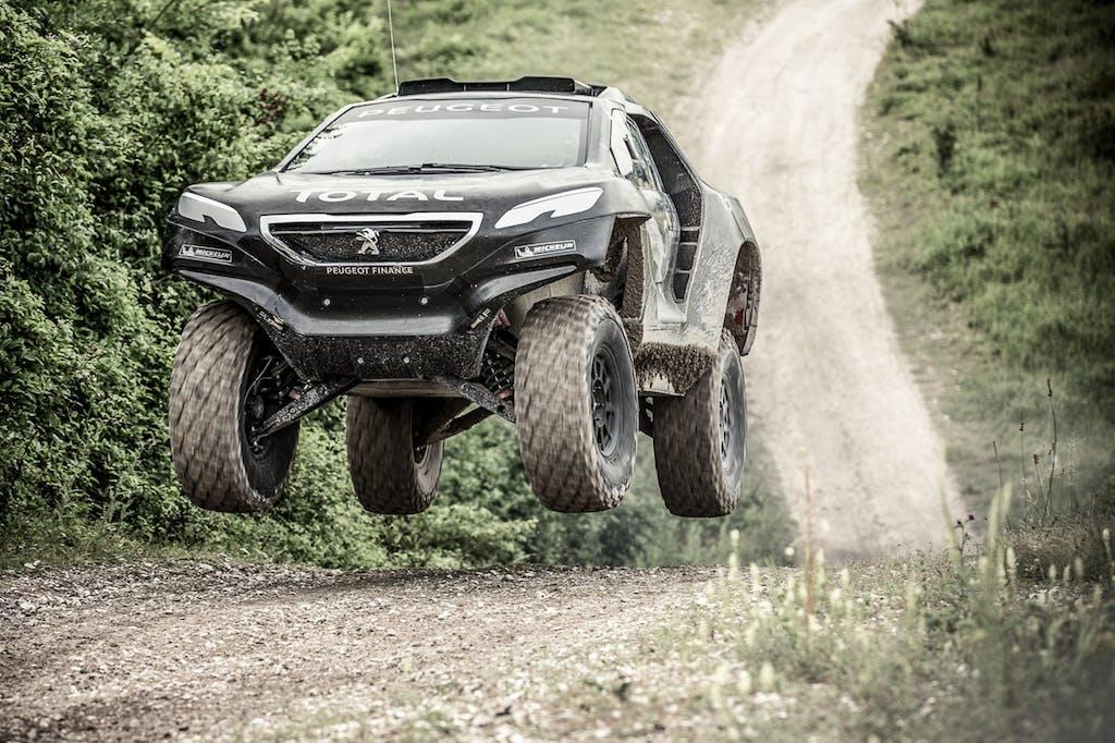 Peugeot 2008 DKR 2015: 340 cv per la Dakar