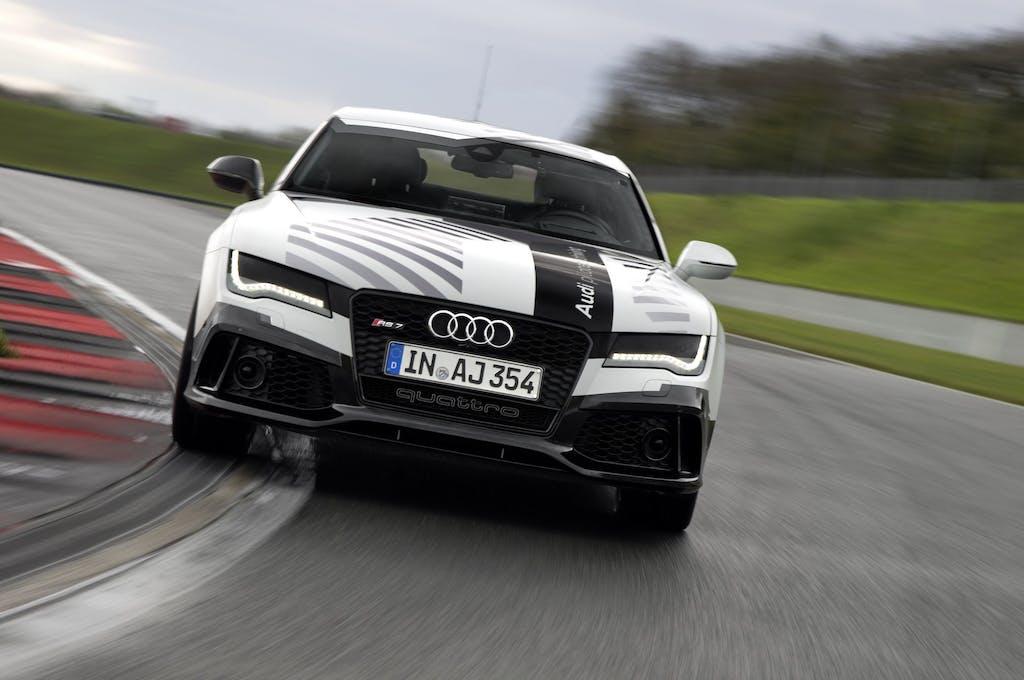 In pista senza pilota: Audi da record
