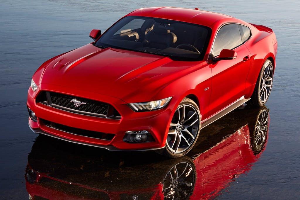 Ford Mustang VI: pony tra passato e presente