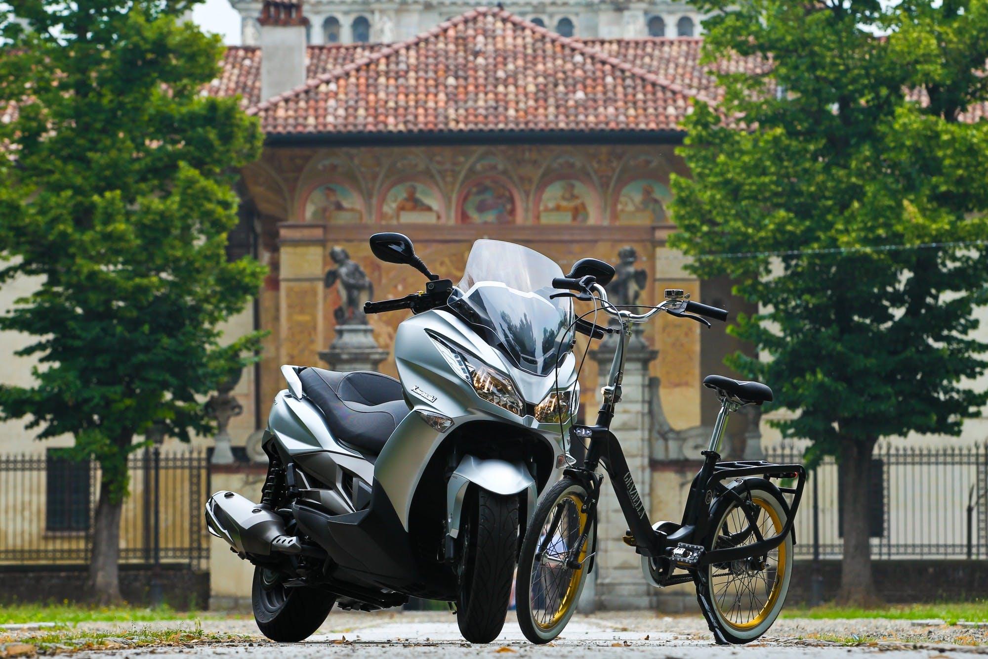 Gli sfidanti: Kawasaki J300 e Graziella, la bici pieghevole con le ruote da 20 pollici