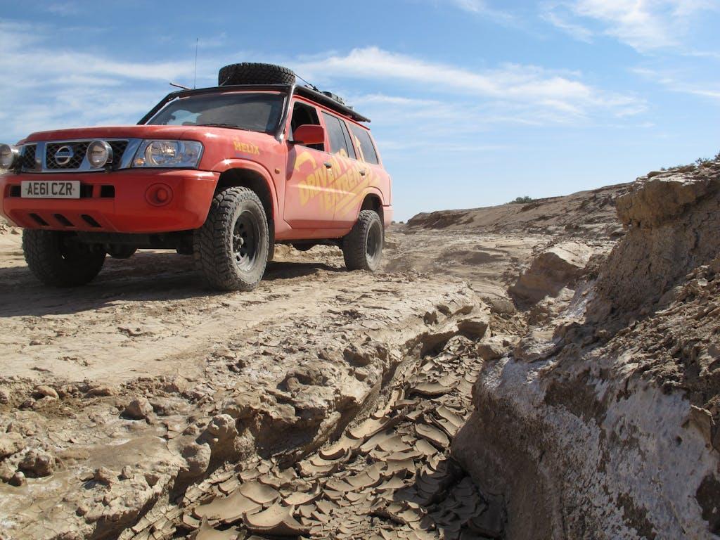 Driven to extremes, la vita estrema di uomini, auto e olio