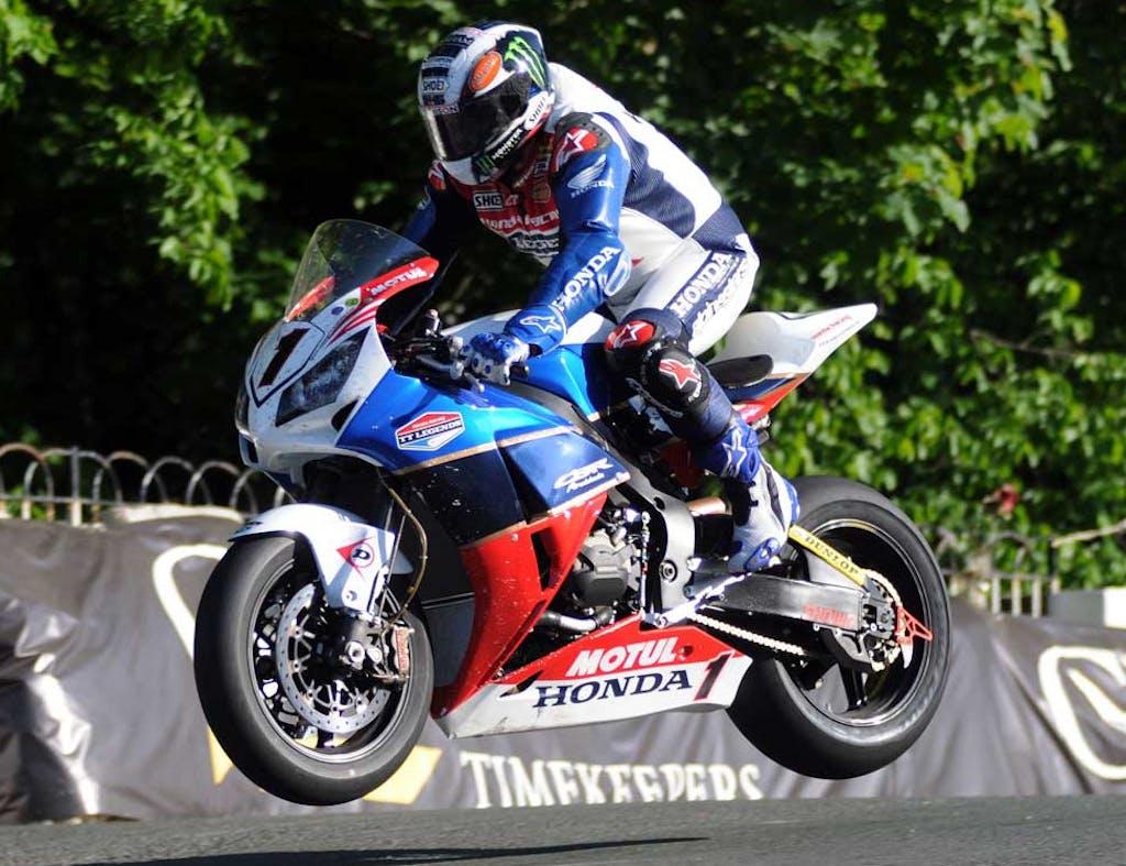 TT 2012: McGuinness fa 19, Bonetti Silver