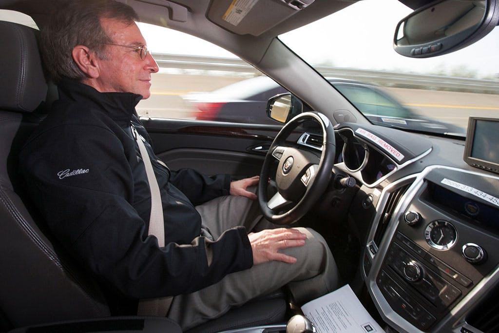 Cadillac vs Google nella rincorsa all'auto senza pilota