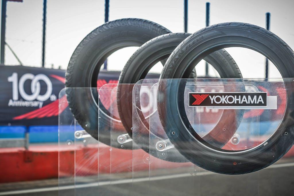 Yokohama, 100 anni e 3 nuovi pneumatici