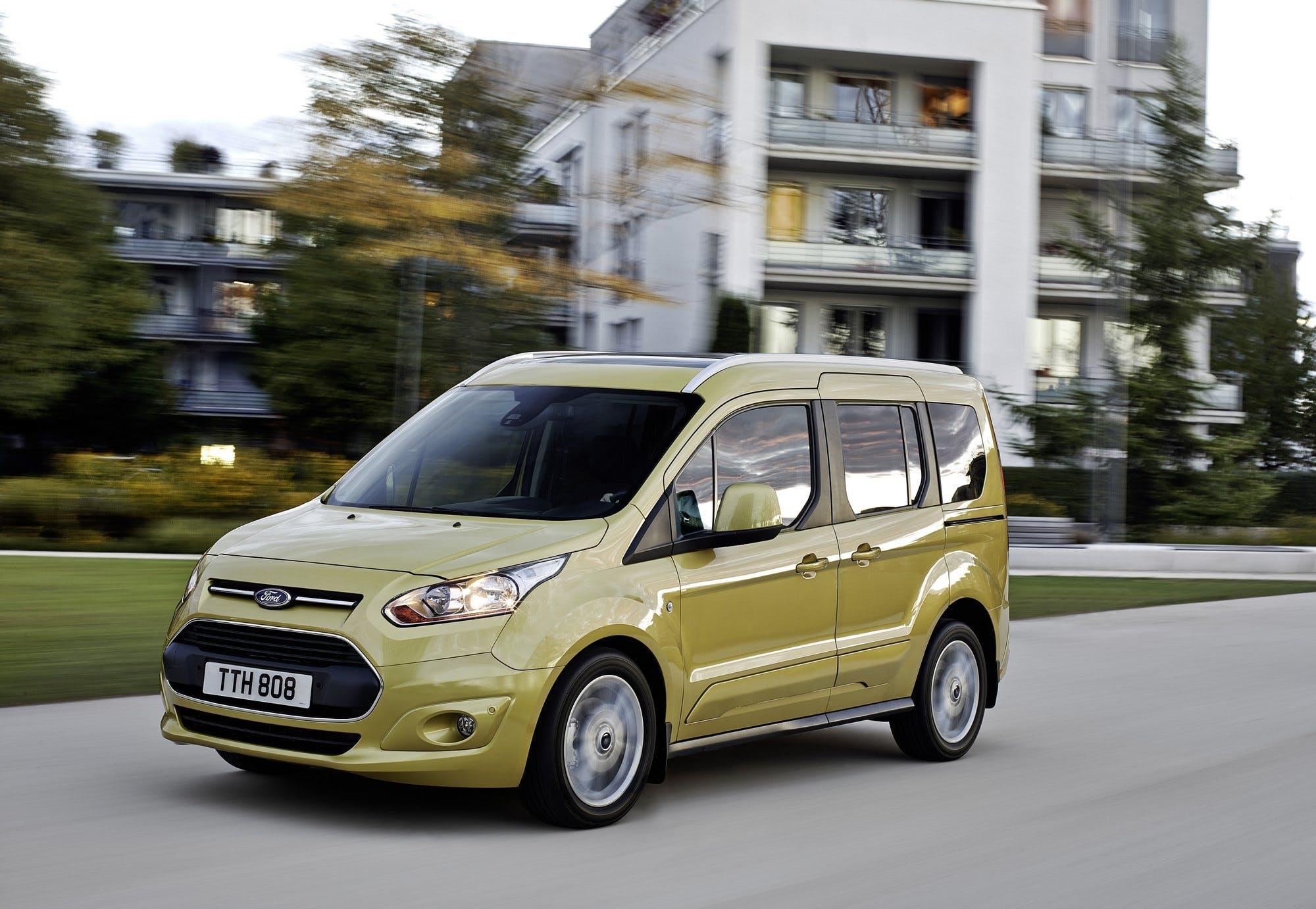 Ford Tourneo Connect migliori auto per sportivi