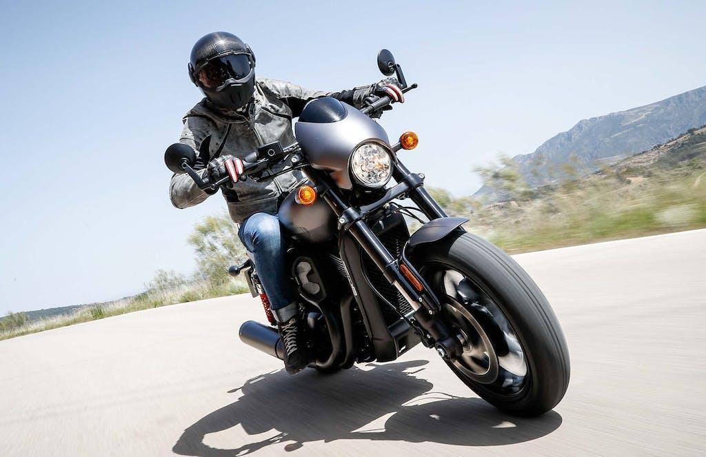 Prova Harley-Davidson Street Rod