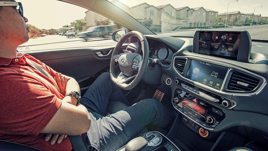 Hyundai Ioniq Autonomous Concept: la guida autonoma ti fa bella