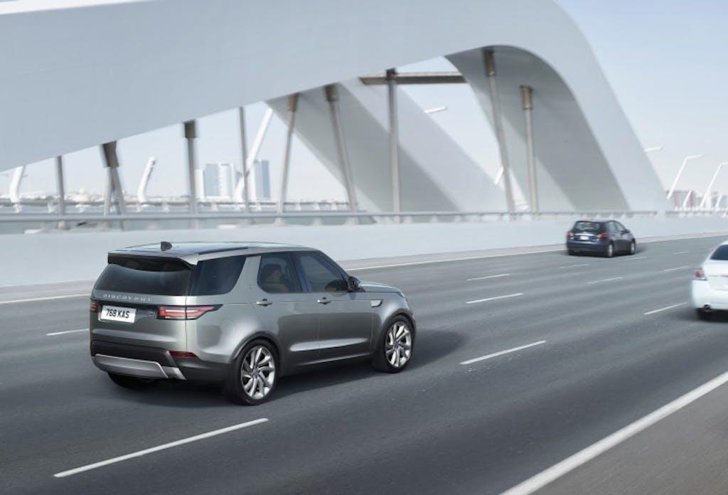 Nuova Land Rover Discovery: regina fuoristrada