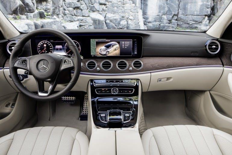 Mercedes-Benz E-Klasse All-Terrain; Outdoor; 2016; Interieur: Leder Nappa macchiatobeige/espressobraun ; Mercedes-Benz E-Class All-Terrain; outdoor; 2016; interior: napp leather macchiato beige/esspresso brown;