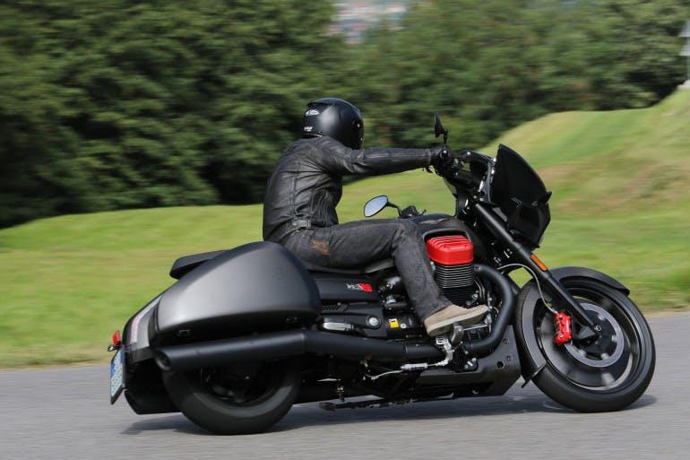 Moto Guzzi MGX21-21
