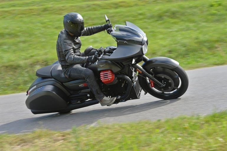 Moto Guzzi MGX21-22