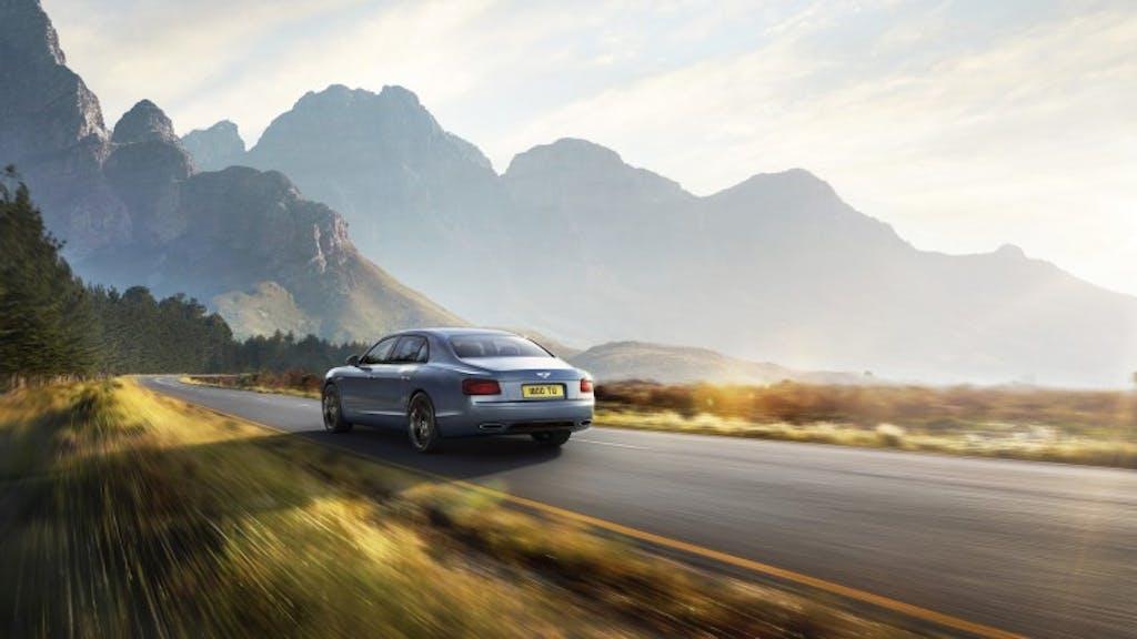 Bentley Flying Spur W12 S: artigli di velluto