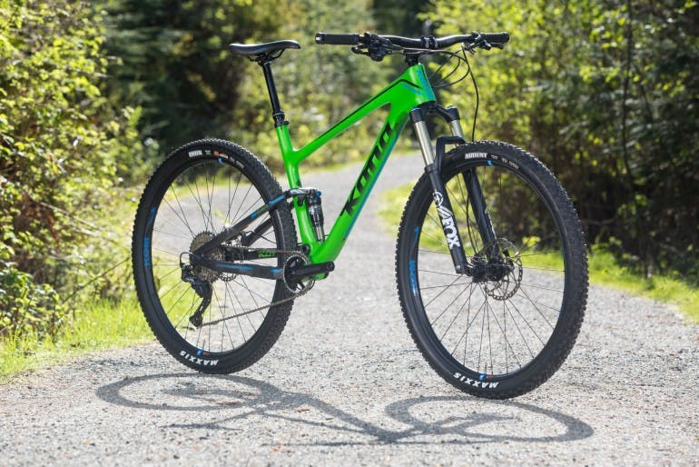 The new 100mm travel Carbon Hei Hei DL is a supremely versatile and capable trail weapon. Components like WTB's i29 rims, 120mm Fox Float 34 forks and KS's Lev internally routed dropper post, combined with the long reach and low standover of this modern XC bike, mean that there is not much that it won't do.