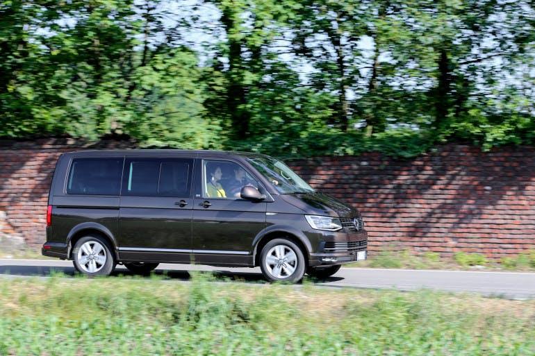 Volkswagen Multivan-12