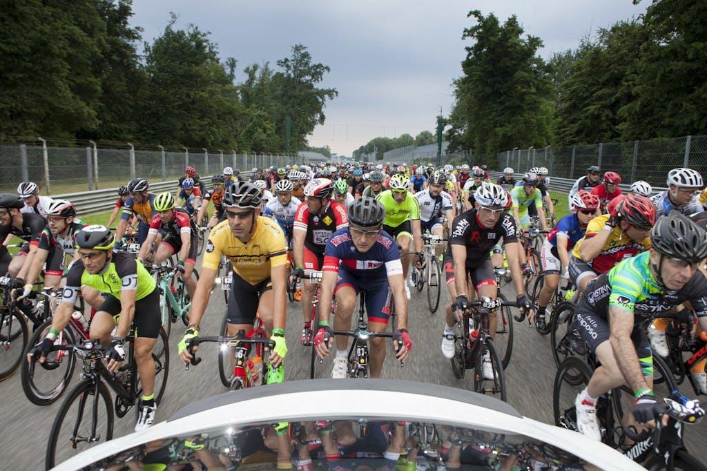 12H Cycling Marathon, febbre contagiosa