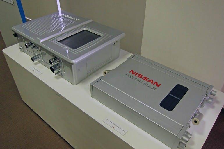 NissanFuelCell_001