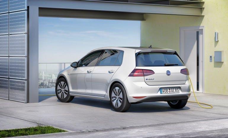 VolkswagenEGolf-004