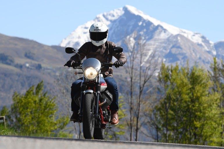 Moto Guzzi V7 II Stornello dinamiche - 5