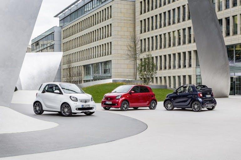 smart BRABUS fortwo coupé, 2016, white smart BRABUS forfour Xclusive, 2016, red smart BRABUS cabrio Xclusive, 2016, tailor made dark blue shiny