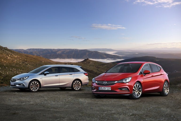2016 Opel Astra Sports Tourer (left), 2016 Opel Astra 5-door (right)