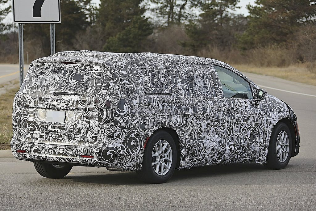 Chrysler Town & Country: il primo ibrido FCA