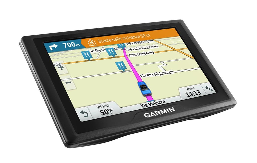 Garmin Drive: la guida assistita si fa in quattro
