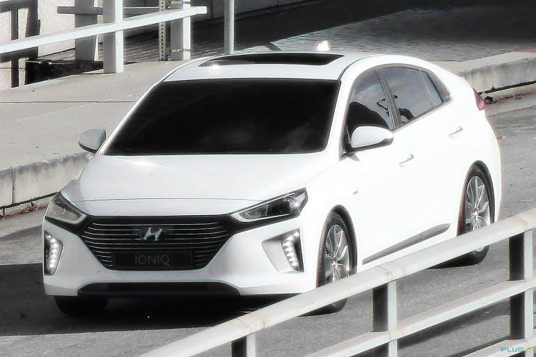 HyundaiIoniqHybrid-002