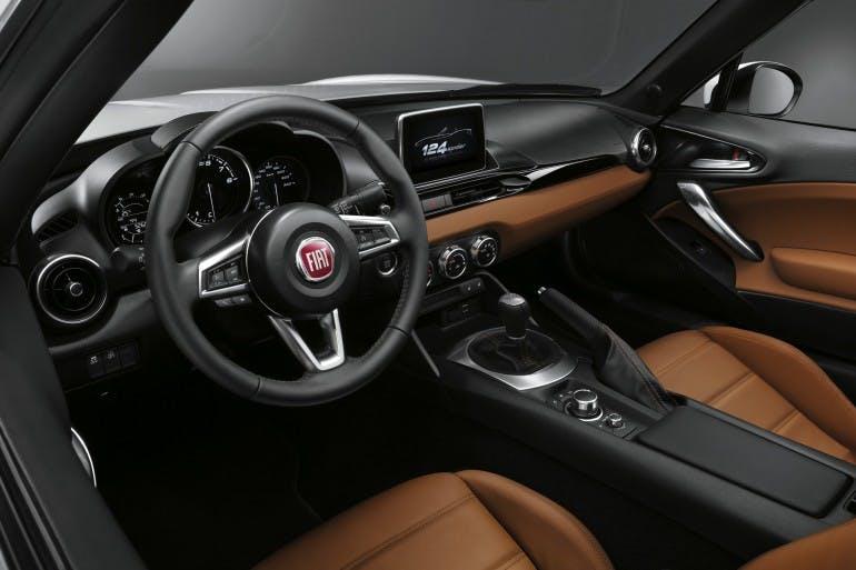 Fiat124Spider-005